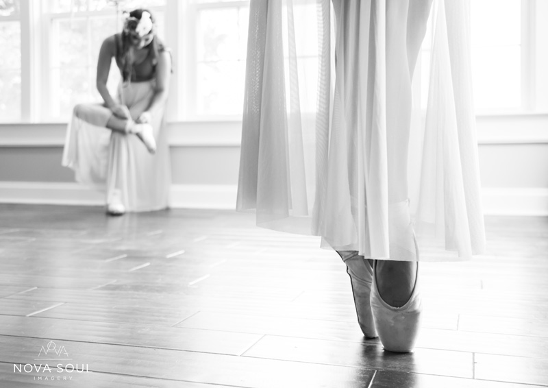 Senior Photography, Teen & Tween Photography, black and white sisters ballerina picture